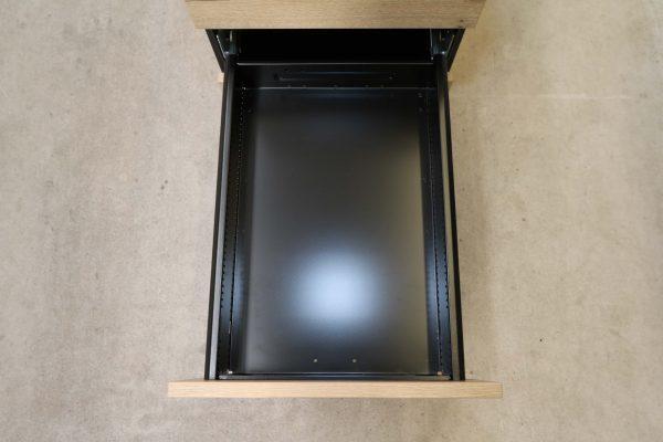 Sedus Rollcontainer kurz Balkeneiche Mustermöbel Schublade 2 geöffnet