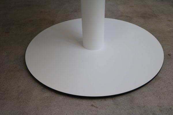 Sedus runder Tisch weiß mit schwarzer Kante Mustermöbel Standfuss