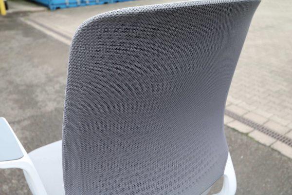 Sedus Se motion Highchair versch. Farben grau weiss Nahaufnahme Rücken