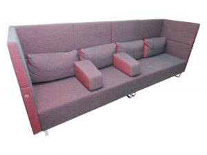 Sedus Sopha Grau-Rot  Loungemöbel mit Tisch 4-Sitzer Nebeneinander gestellt