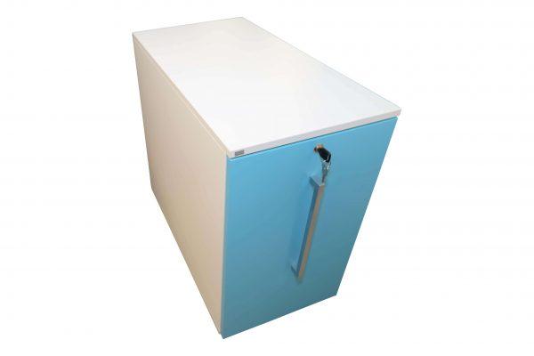 Sedus Standcontainer hellblau weiß Schrägansicht mit senkrechtem Griff