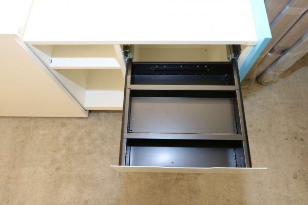 Sedus Standcontainer hellblau weiß Schublade geöffnet