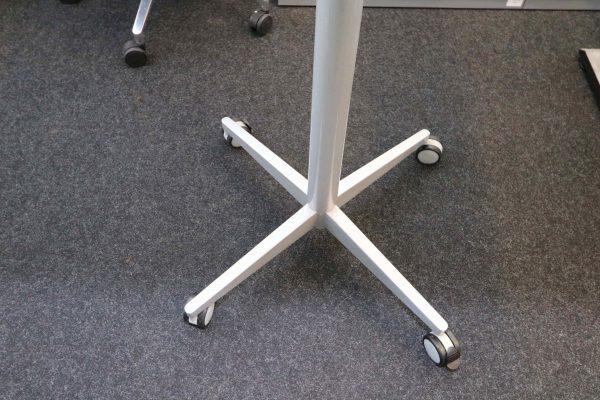 Sedus Steh-Sitz-Tisch weiß hydraulisch höhenverstellbar Fuß