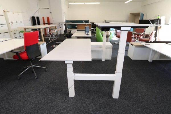 Sedus Temptation Doppelarbeitsplatz H-Gestell elektrisch höhenverstellbar beide Tische hochgefahren leichte Seinetnaufnahme