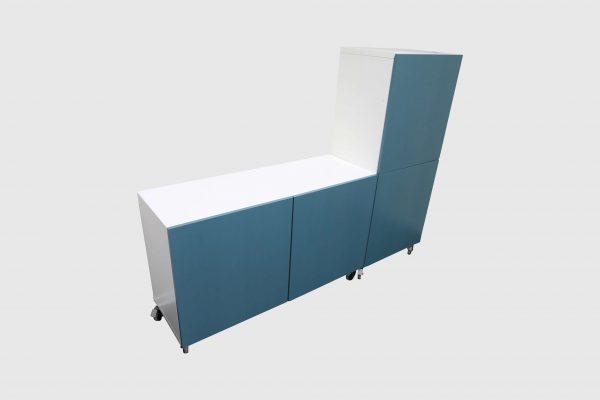 Sideboards Kombination weiß-blau rollbar in freigestellter Darstellung