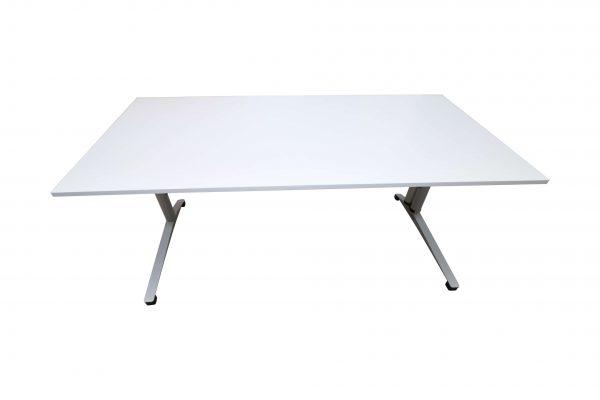 Steelcase Schreibtisch C-Fuß-gestell 180x90 cm weiß Frontalansicht