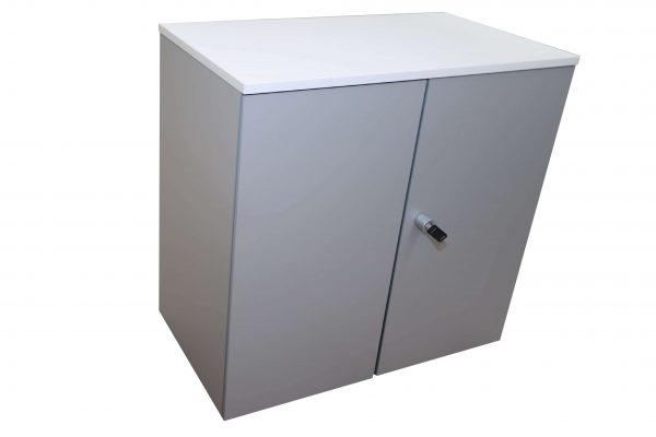 Steelcase Flügeltüren Sideboard 2 OH silbergrau weiß Schrägaufnahme