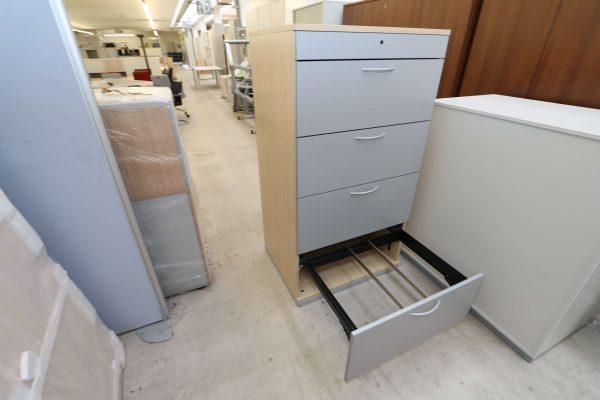 Steelcase Hängeregister Schrank 4OH Ahorn Silbergrau 4. Schublade geöffnet