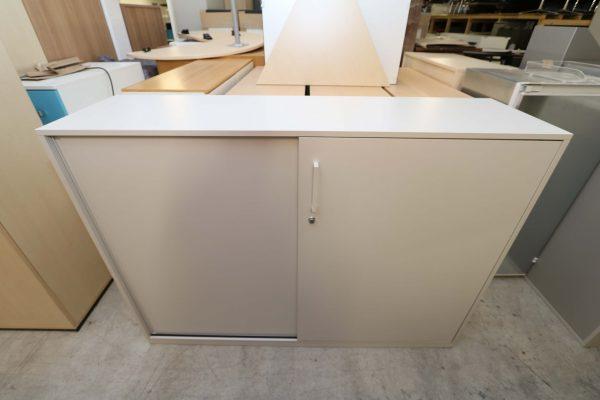 Steelcase Highboard weiß 3OH 160 cm breit Frontalansicht