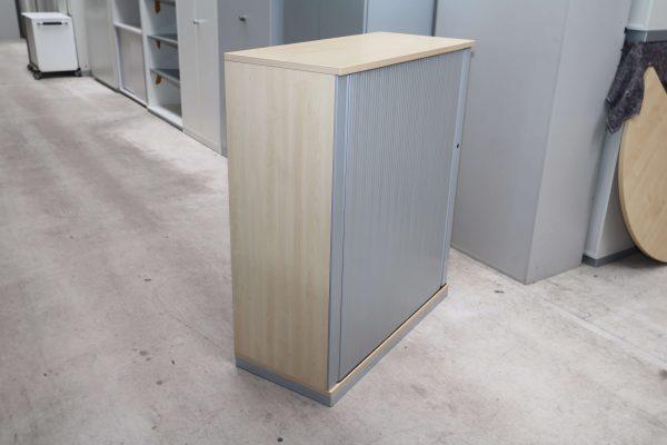 Steelcase Querrollo Highboard 3OH Ahorn Silbergrau von der Seite