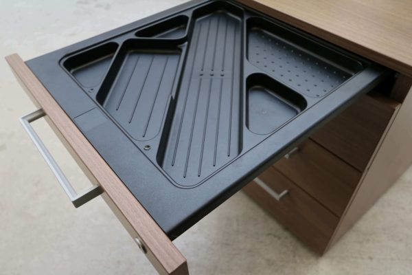 Steelcase Rollcontainer Nussbaum mit Schubladen Stuftschublade