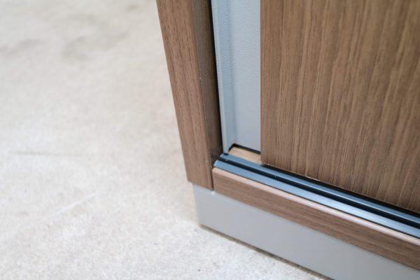 Steelcase  Schiebetüren Sideboard Nussbaum 2OH 120 cm Laufschiene
