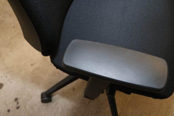 Steifensand Bürodrehstuhl schwarz mit hoher Rückenlehne Armlehne
