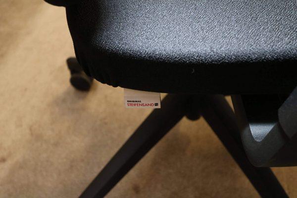 Steifensand Bürodrehstuhl schwarz mit hoher Rückenlehne Einnhäher