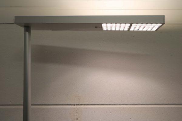 Tobias Grau LED Stehleuchte weiß grau Lampenkopf