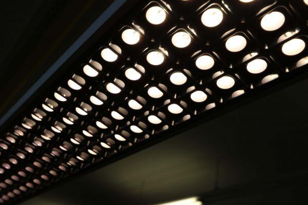 Tobias Grau XTA-Floor Leuchte LED silberfarben LED Downlights an