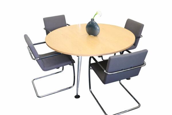 Vitra Birne Besprechungstisch rund Echtholz Chromgestell mit Möblierung