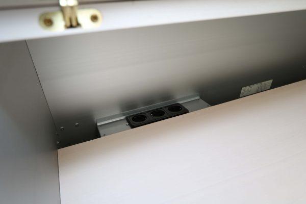 Vitra Medienmoebel Aluminium Echtholz Detailansicht innen Steckdosenleiste