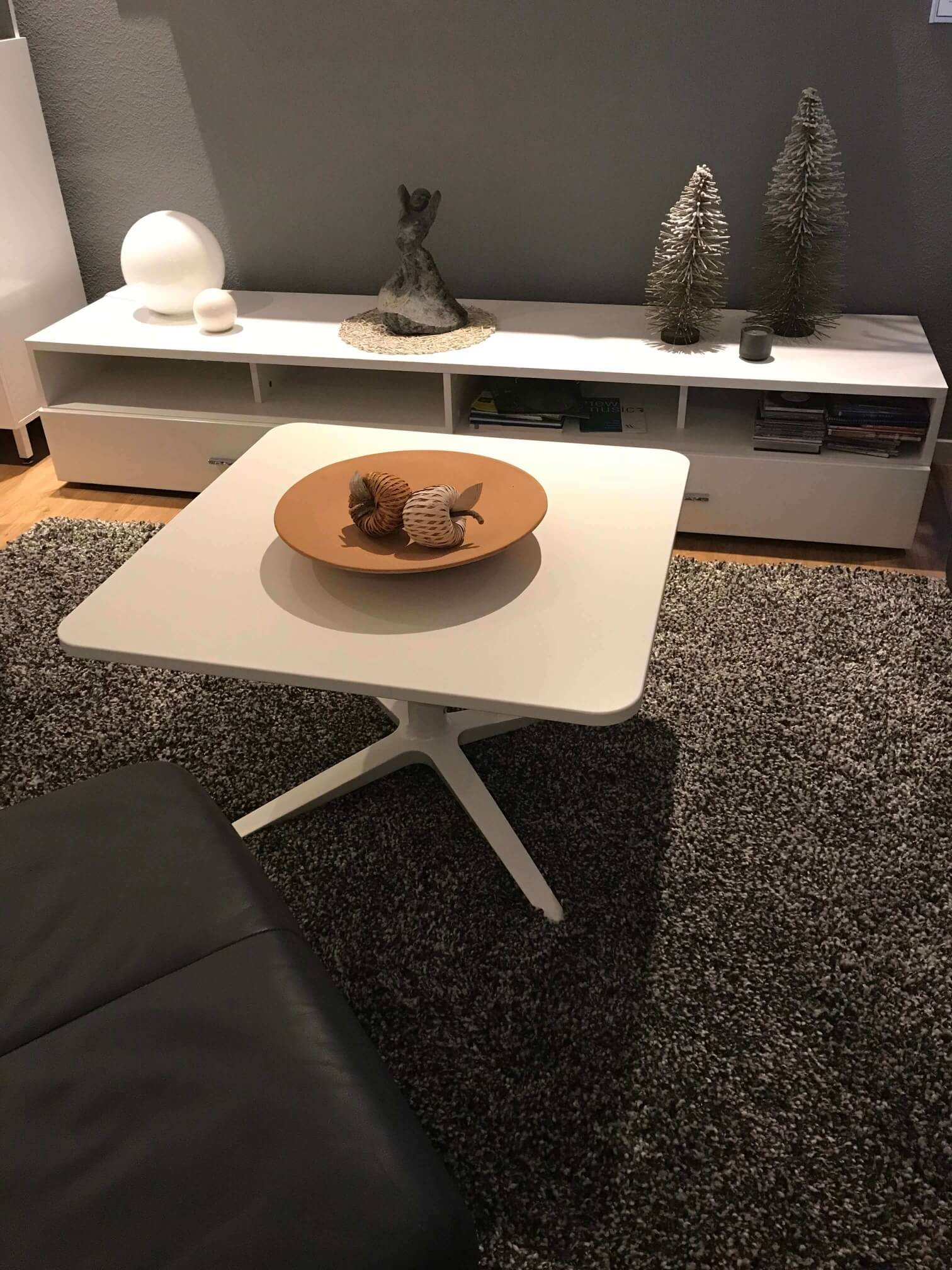 Couchtisch der idealbüro GmbH bei Herrn Weber