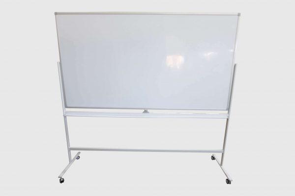 whiteboard-lang-roll-und-drehbar-weiss Sicht von vorne